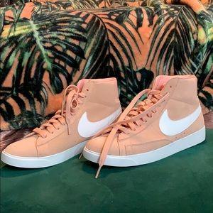 Nike Blazer Mid Vintage Sneaker - Coral Stardust